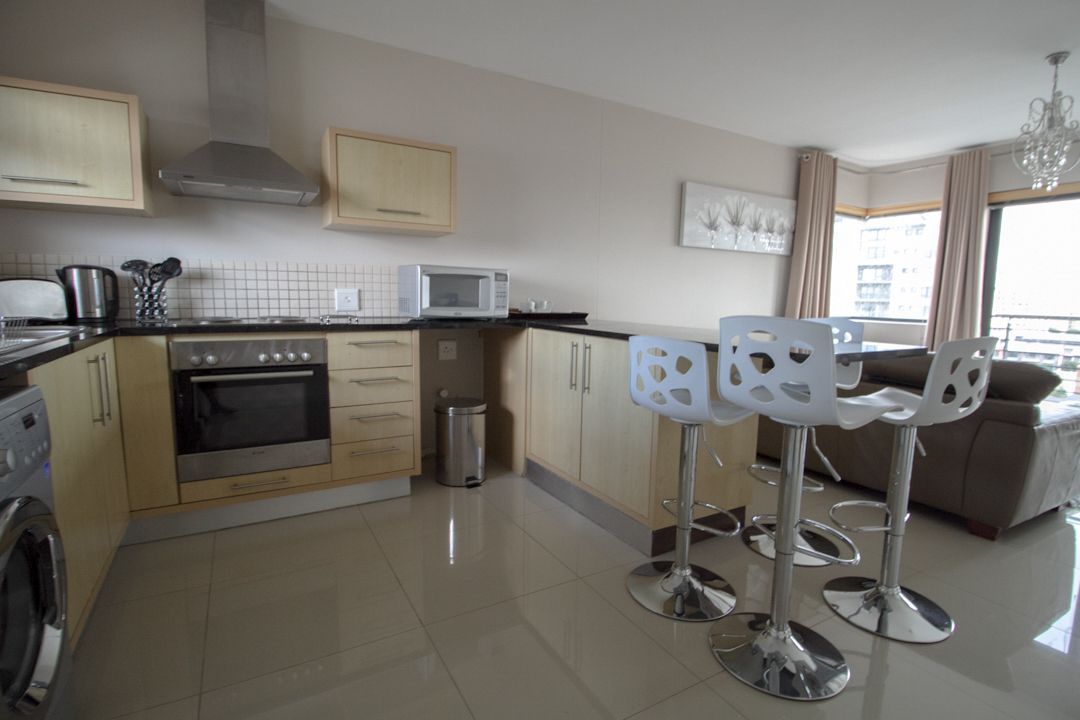 Upmarket, furnished accommodation in Century City, Cape Town